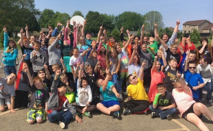 Tuscola children cheering outside
